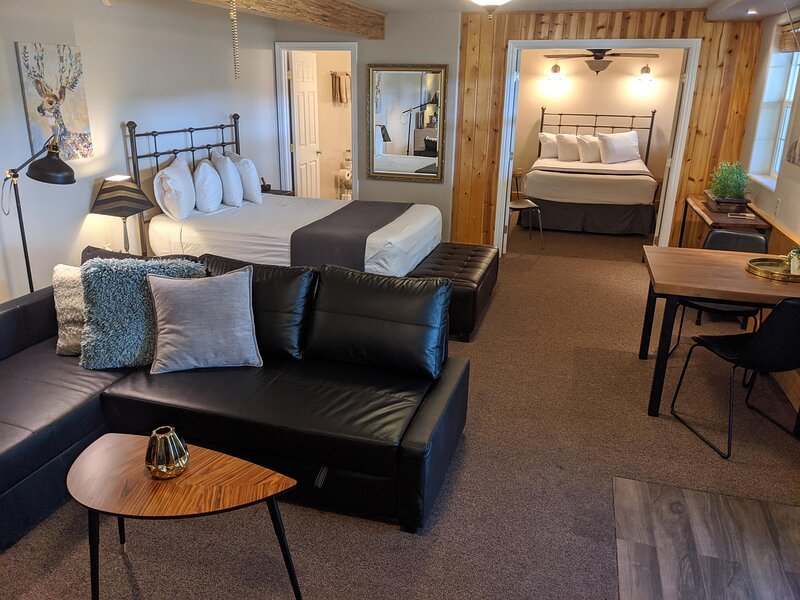 Carriage House Inn - Downie River Two Room Suite, holiday rental in Washington