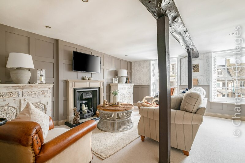 Howman House is a luxurious split-level apartment located in Stow-on-the-Wold., location de vacances à Swell