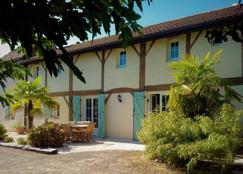 La Villa Boheme 4* Landes - Piscine - Billard - Baby foot - service conciergerie, holiday rental in Arjuzanx