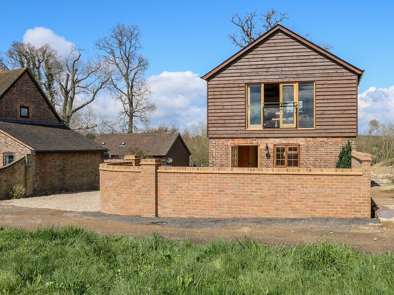 The Granary, Balcombe, holiday rental in Turners Hill