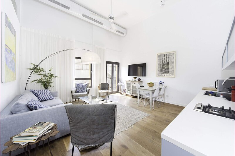Apartment Altair, holiday rental in Tel Aviv District
