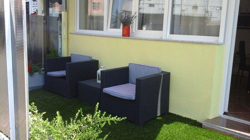 Nuovo e moderno Studio BI Umag centro citta', vicino al mare, location de vacances à Finida