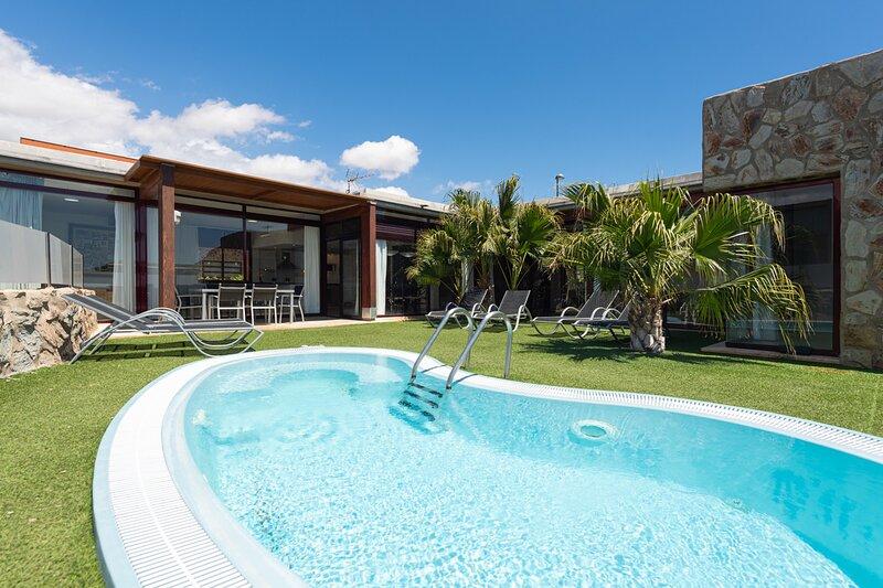 Villa with private pool Tauro Villas II, holiday rental in Platero