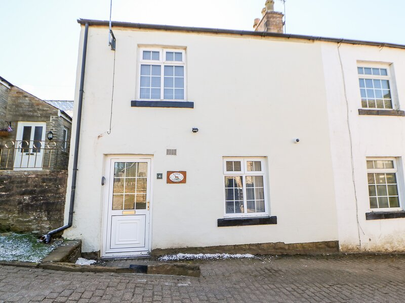 KINGS COTTAGE, pet friendly, character holiday cottage in Alston, Ref 3604, vacation rental in Garrigill