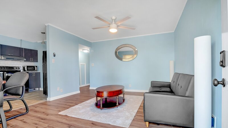 Newly Renovated Apartment Near Coffee Shops & More!, holiday rental in Macon