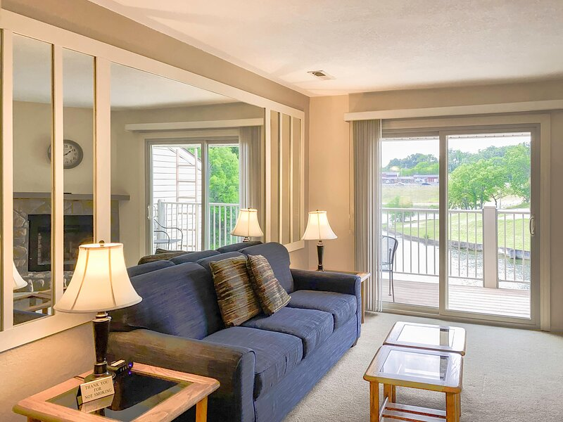 Two Bdr Condo 302 Living With Balcony View