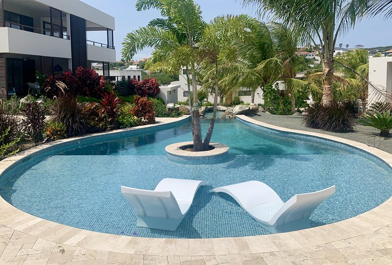 Jan Sofat LUX apartment A21 | resort | pool | 4 guests, location de vacances à East End