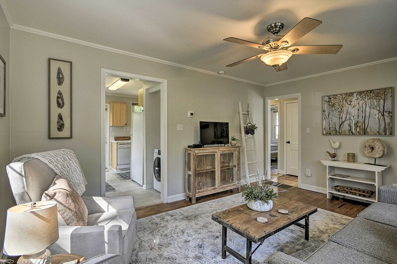 NEW! Raleigh ITB Home - Mins to Dtwn & North Hills, vacation rental in Raleigh