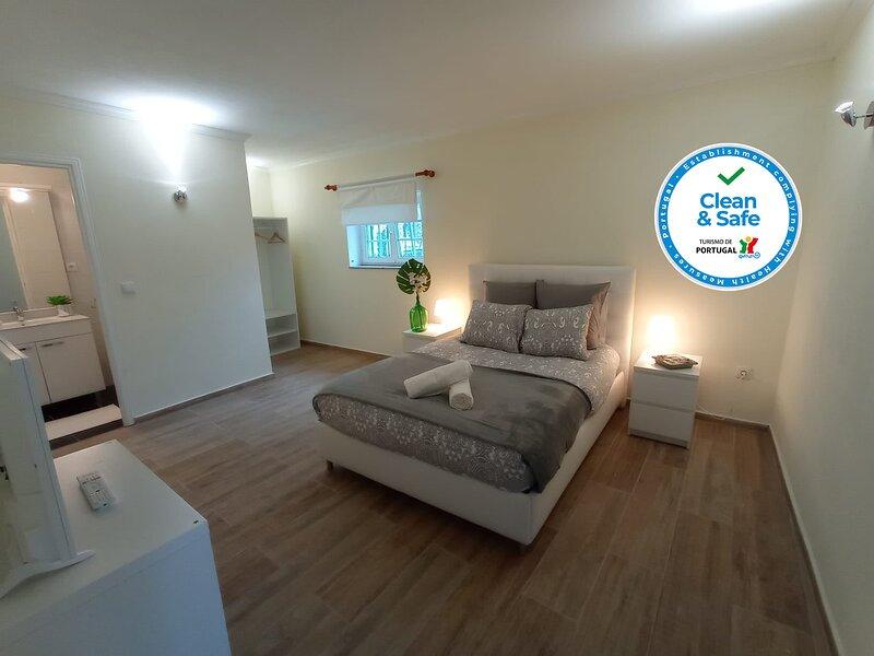 Alojamento 1 Dos Santos, holiday rental in Penedono