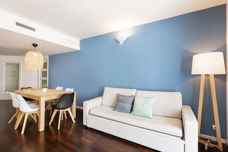 Olala Port Forum Ground Floor 3 bedroom with Terrace G1, holiday rental in Sant Adria de Besos