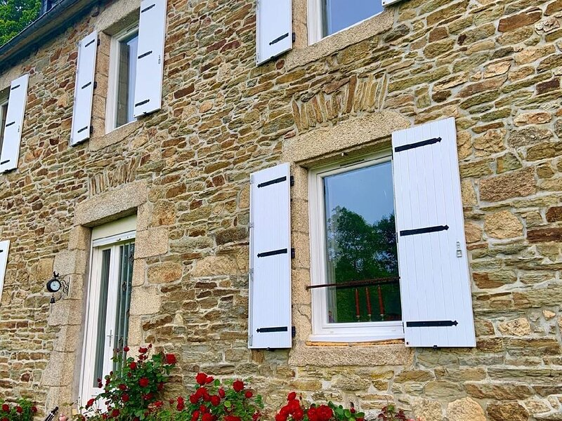 Charming 5 bed rural house to let in Brittany., holiday rental in Collinee