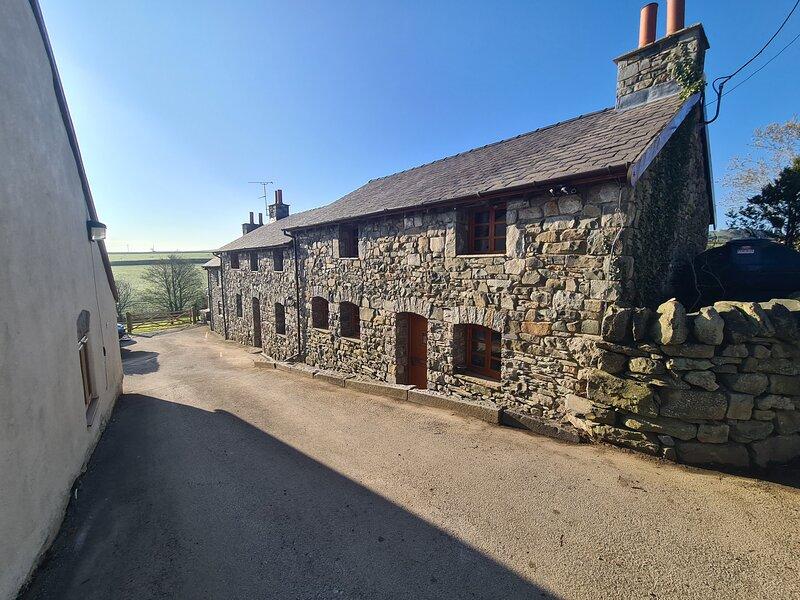 Isfryn 2 bedroom cottage, location de vacances à Llannefydd