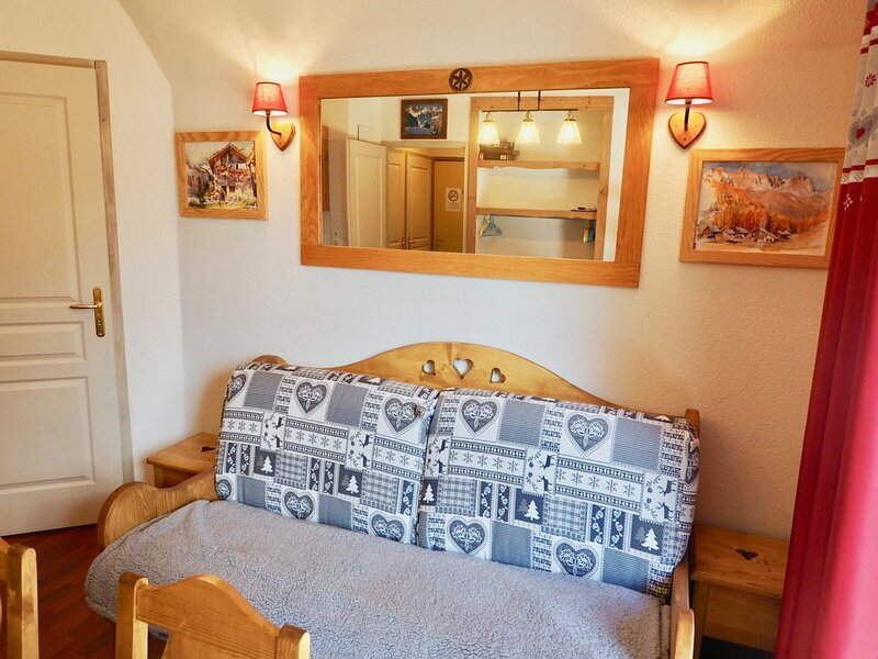 emplacement top, beau 6 pers accès direct pistes, holiday rental in Valfrejus