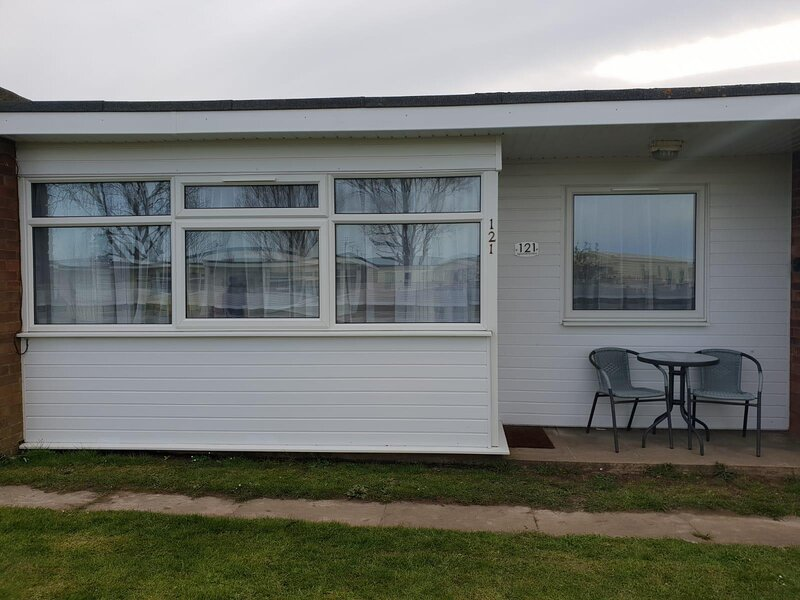 Brilliant 7 berth chalet for hire at Sunbeach in Norfolk ref 51121S, vacation rental in California