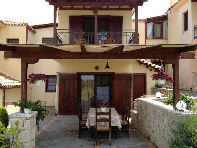 Villa Theodora - Paliouri Halkidiki, location de vacances à Loutra