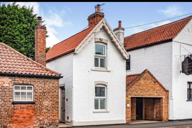 Charming 2-Bed Cottage on outskirts of Beverley – semesterbostad i South Dalton