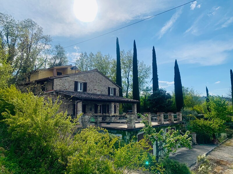 Cavallino Verde - A traditional stone house immerse in the green heart of Umbria, holiday rental in Fratta Todina