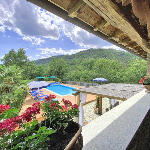 Tuscany Stop  Montecastello Traditional Stone 4 bedroom Villa Lunigiana, alquiler vacacional en Comano
