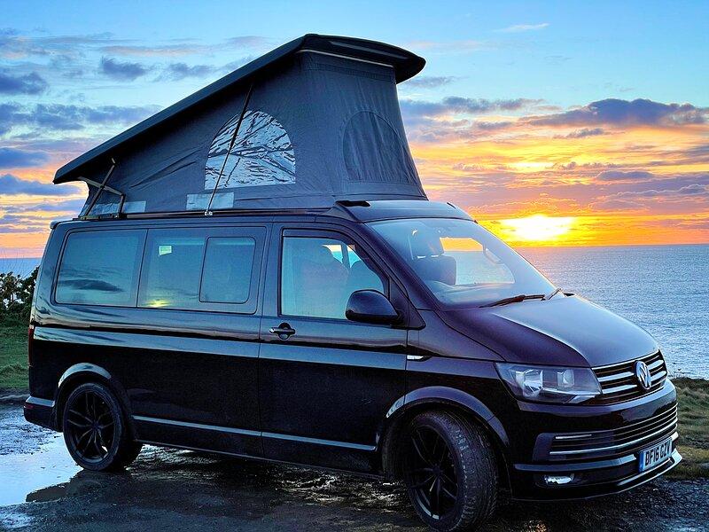 Kernow adVANtures; Bespoke Cornish campervan holidays to remember, vakantiewoning in Mawgan