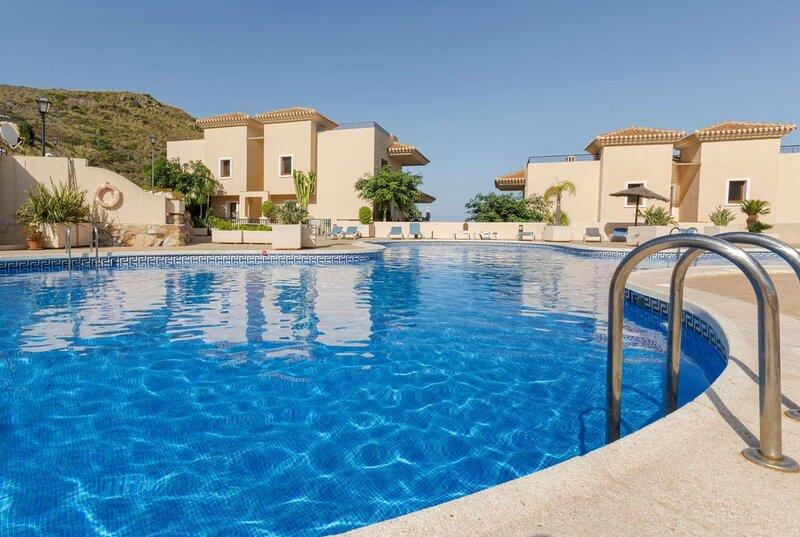 Prestigious resort, great view, lots of activities, holiday rental in Llano del Beal
