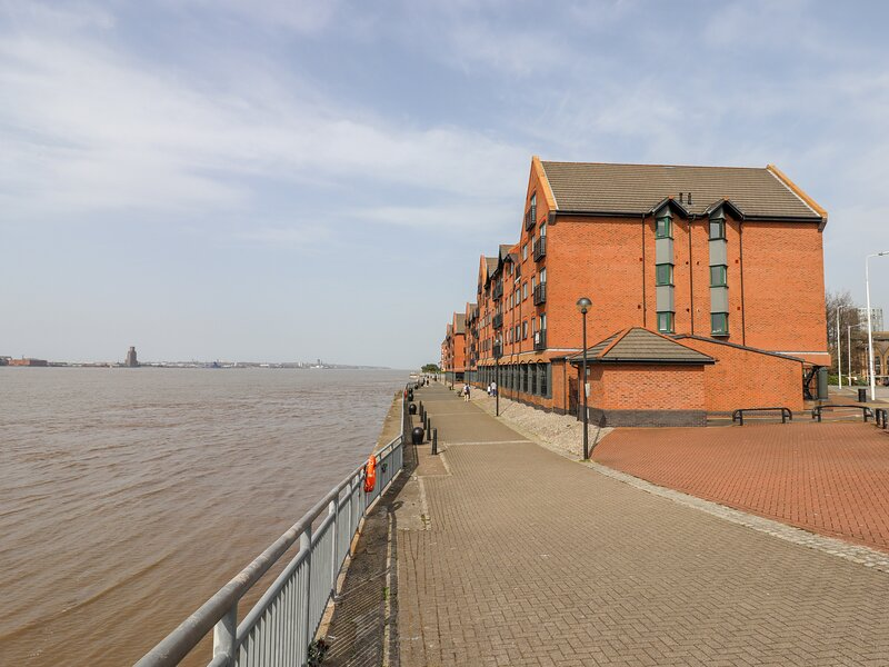 342 South Ferry Quay, Liverpool, holiday rental in Heswall