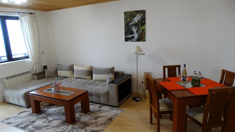 Pamporovo Rhodopi Pearl Apartments, holiday rental in Banite