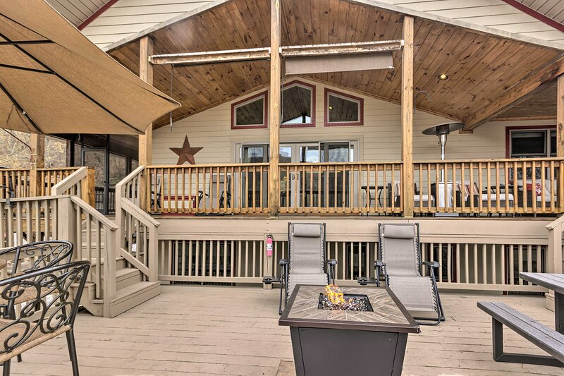 Private Deck | Gas Fire Pit