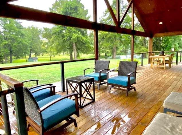Spring Lakes Ranch - Ranch House, holiday rental in Laguna Park