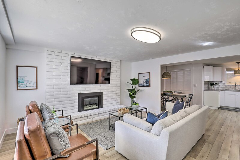 NEW! Stylish Provo Home w/ Mtn Views: Steps to BYU, holiday rental in Provo