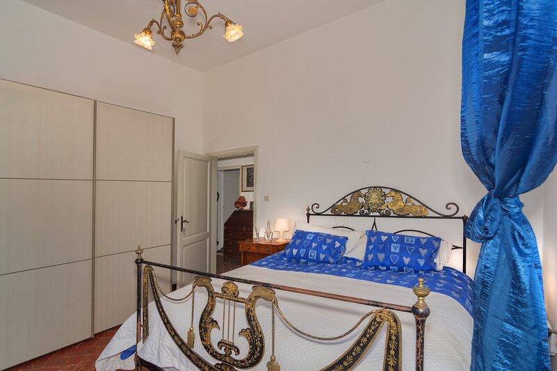 Camera doppia a Villa Eugenia (azzurra), vacation rental in Quercianella