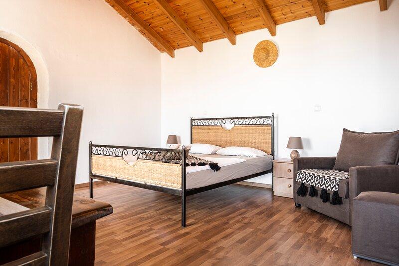 Amphora Guesthouse Studio 2, holiday rental in Llogara National Park