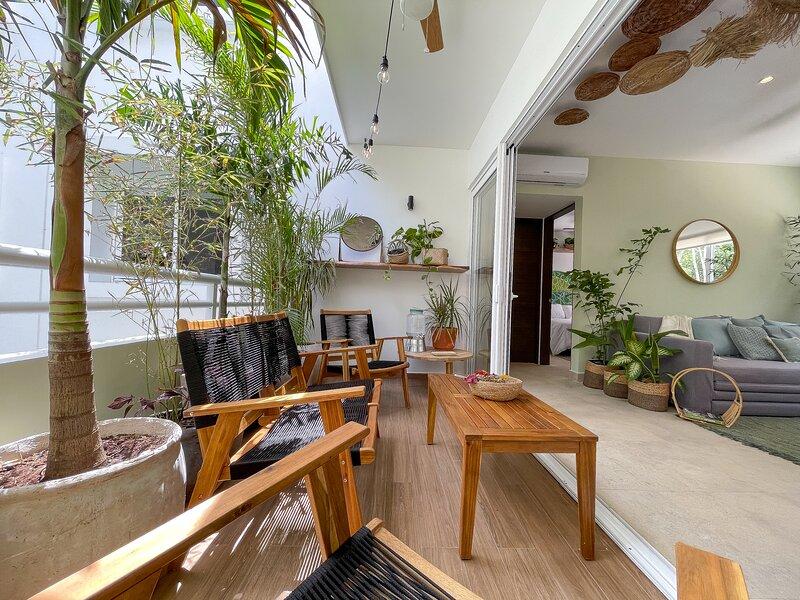 Luxury boho condo for 6 guests with private balcony in Tao Tulum, alquiler de vacaciones en Tulum Beach