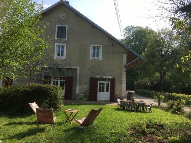 Gîte de l'horloge – semesterbostad i Beaumont-sur-Sarthe