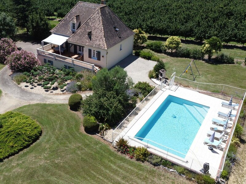 Les Lauriers Roses, vacation rental in Labouquerie