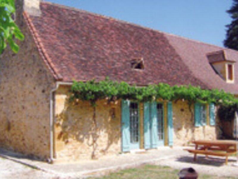 Location Gîte Saint-Avit-Rivière, 3 pièces, 4 personnes, vacation rental in Labouquerie