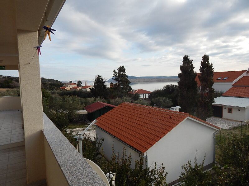 C2 Apartment with beautiful view, near Novalja, holiday rental in Caska