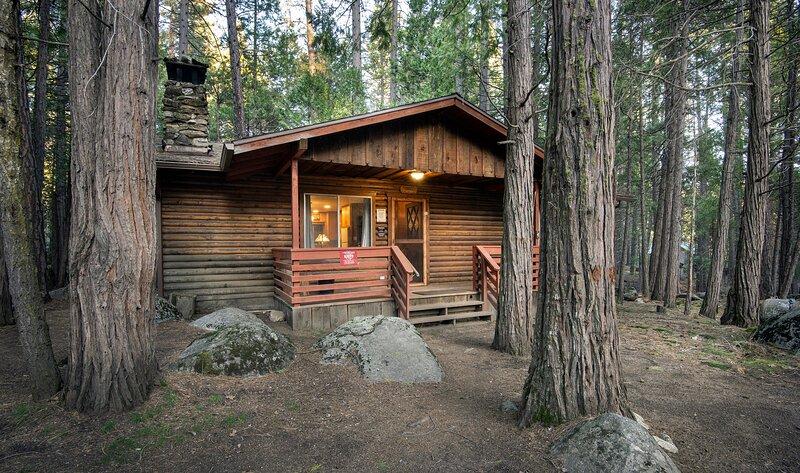 (4) Pine Creek Cabin, aluguéis de temporada em Wawona