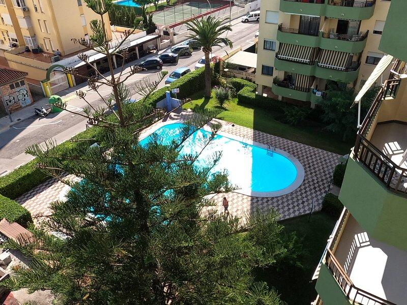 Acogedor Apartamento en la Playa con piscina y tenis., holiday rental in Grau i Platja