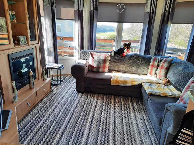 Lovely newly decorated 2 bedroom caravan, holiday rental in Lendalfoot