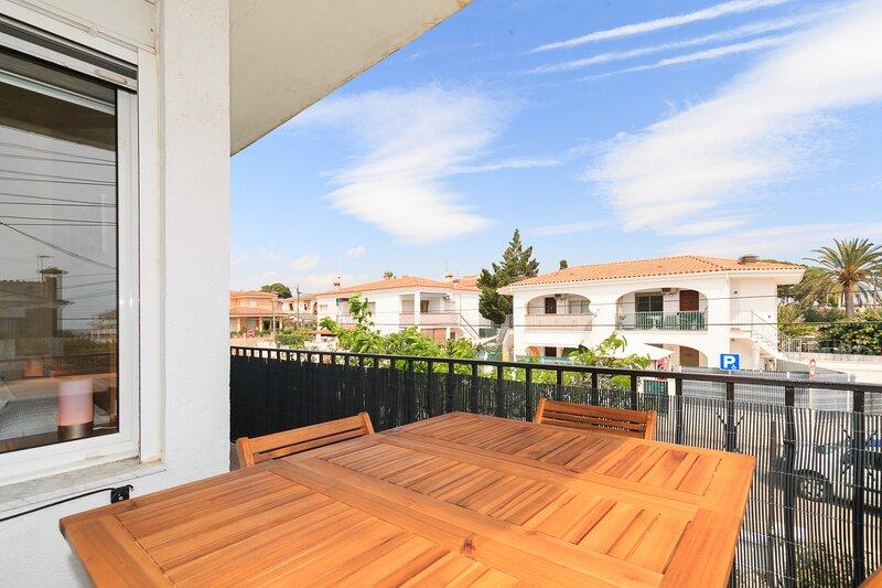 Coqueto apartamento para pequeñas familias - C******* UHC LA PALMERA, holiday rental in Montbrio del Camp