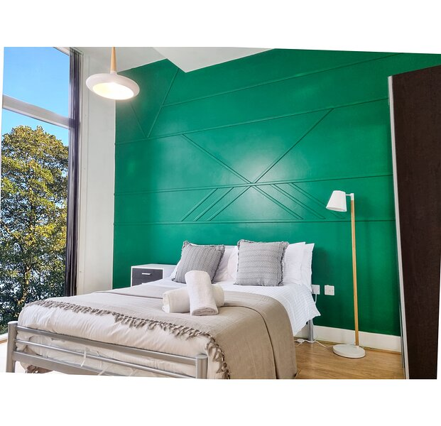 2  BD APT-withFree Netflix& Patio- with Park Views, holiday rental in Digbeth