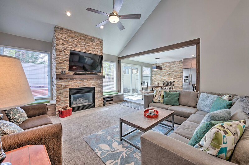 'Wasatch R&R' Townhome w/ Grill ~ 11 Mi to Alta!, alquiler vacacional en Cottonwood Heights