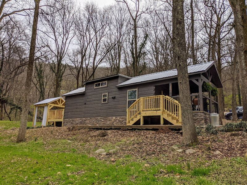 Pops Cabin - Lookout Mountain, City-Side, holiday rental in Lookout Mountain