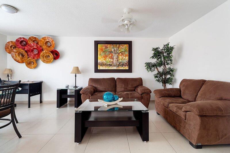 +MS  +Acogedora Suite  +Alberca +Av Bernardo Quintana, location de vacances à Queretaro