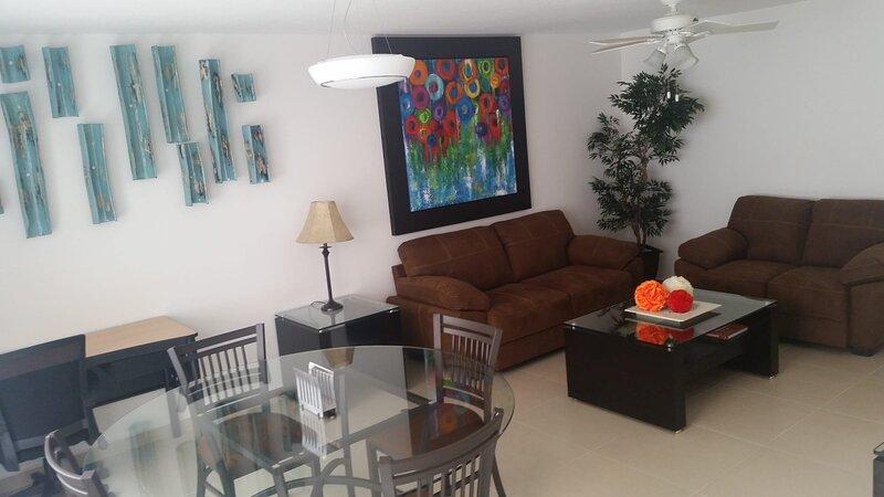 +MS +Ideal Suite +Estadías largas +Blvd. B. Quintana, location de vacances à Juriquilla
