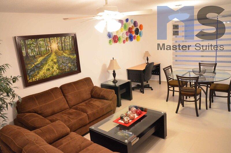 +MS +Moderna Suite +Alberca +Ubicadísima +Av. Bernardo Quintana, location de vacances à Queretaro