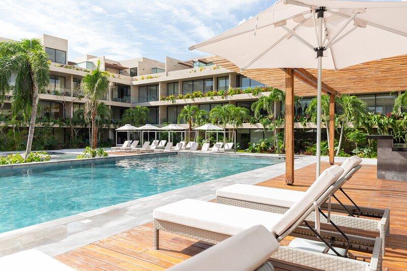 Elegant 2 units in one | 3BR | Stunning Pools | Best Amenities | WiFi & Concierg, alquiler de vacaciones en Tulum Beach