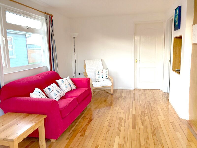 Cosy Cornish Holiday Chalet 73, holiday rental in St Merryn