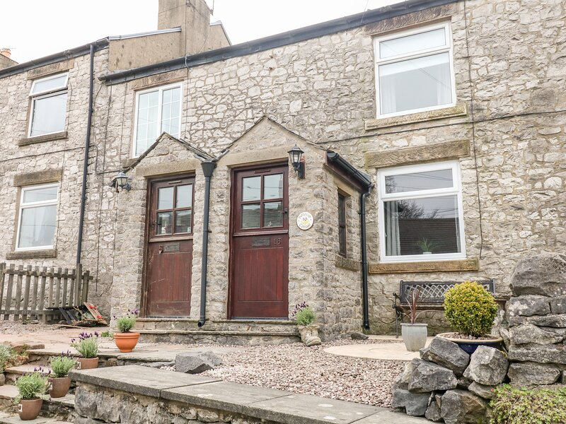 16 Smalldale Cottages, Buxton, holiday rental in Peak Forest