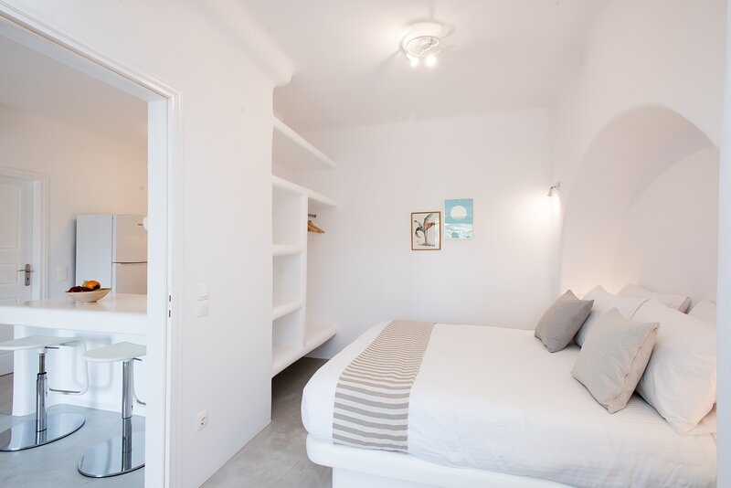 Twins One by Koumi Homes Mykonos, holiday rental in Ftelia